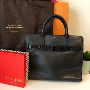 kate spade ♠️ black leather tote with bow!